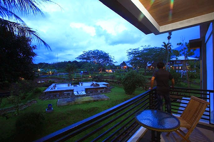 2400_hotel-kampoeng-bamboe-4-687x458
