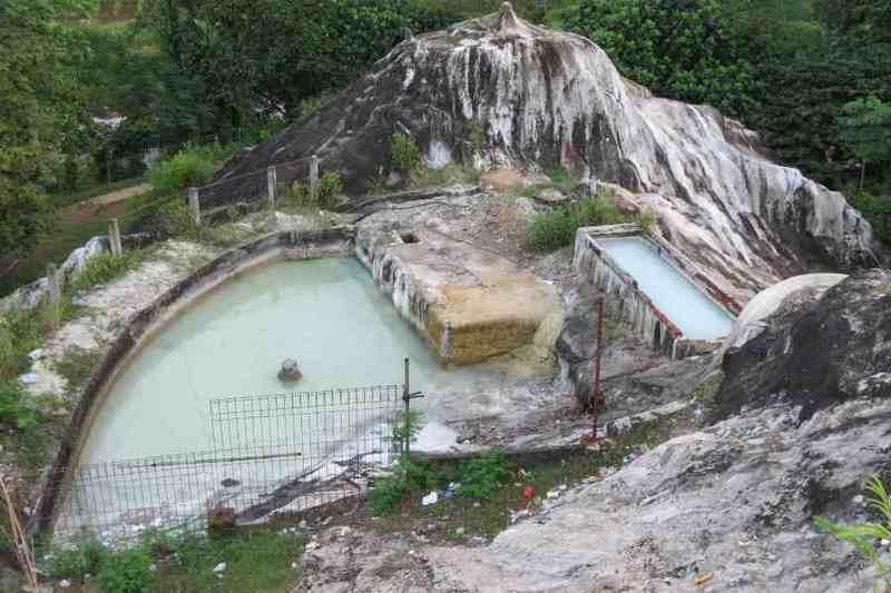 Tempat-wisata-di-bogor-Air-Panas-Tirta-Sanita-Ciseeng